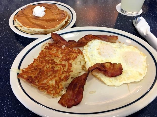 ihop_pancake_combo