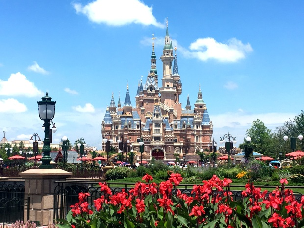 shanghai-disneyland-castle-2