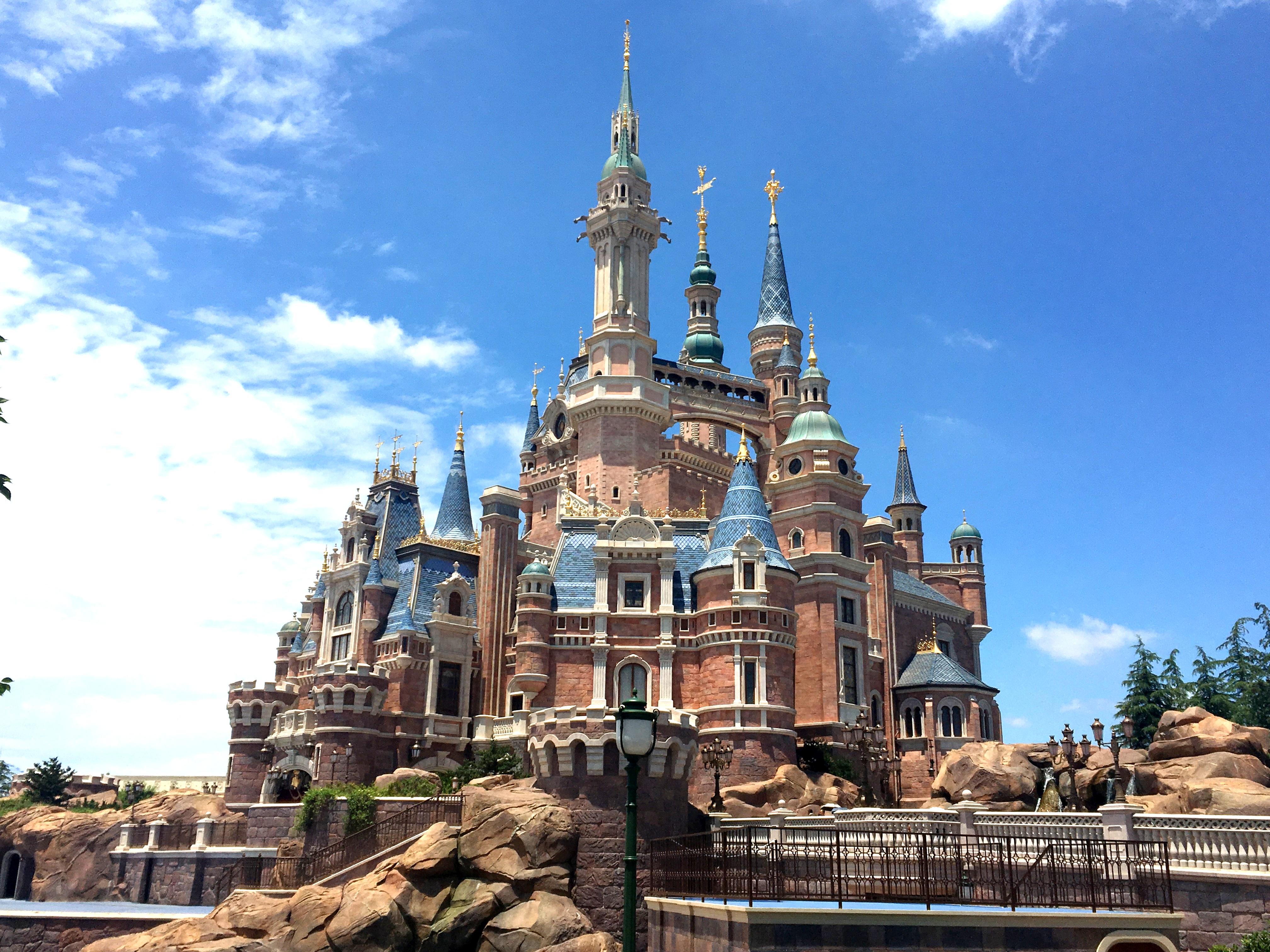 shanghai-disneyland-castle-4