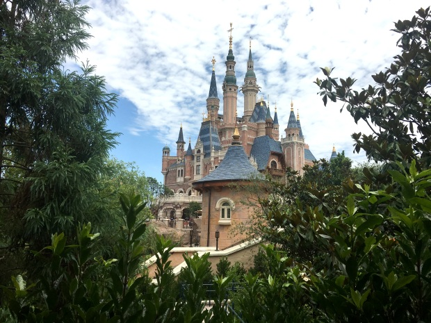 shanghai-disneyland-castle-7