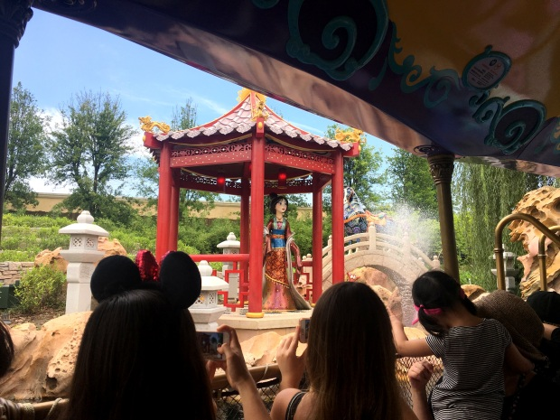 shanghai-disneyland-voyage-to-the-crystal-grotto-1