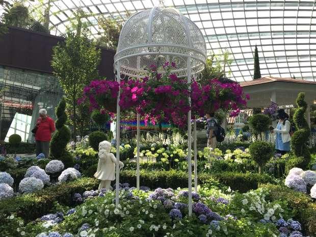 singapur-reisetagebuch-gardens-by-the-bay-flower-dome-makeupinflight-1
