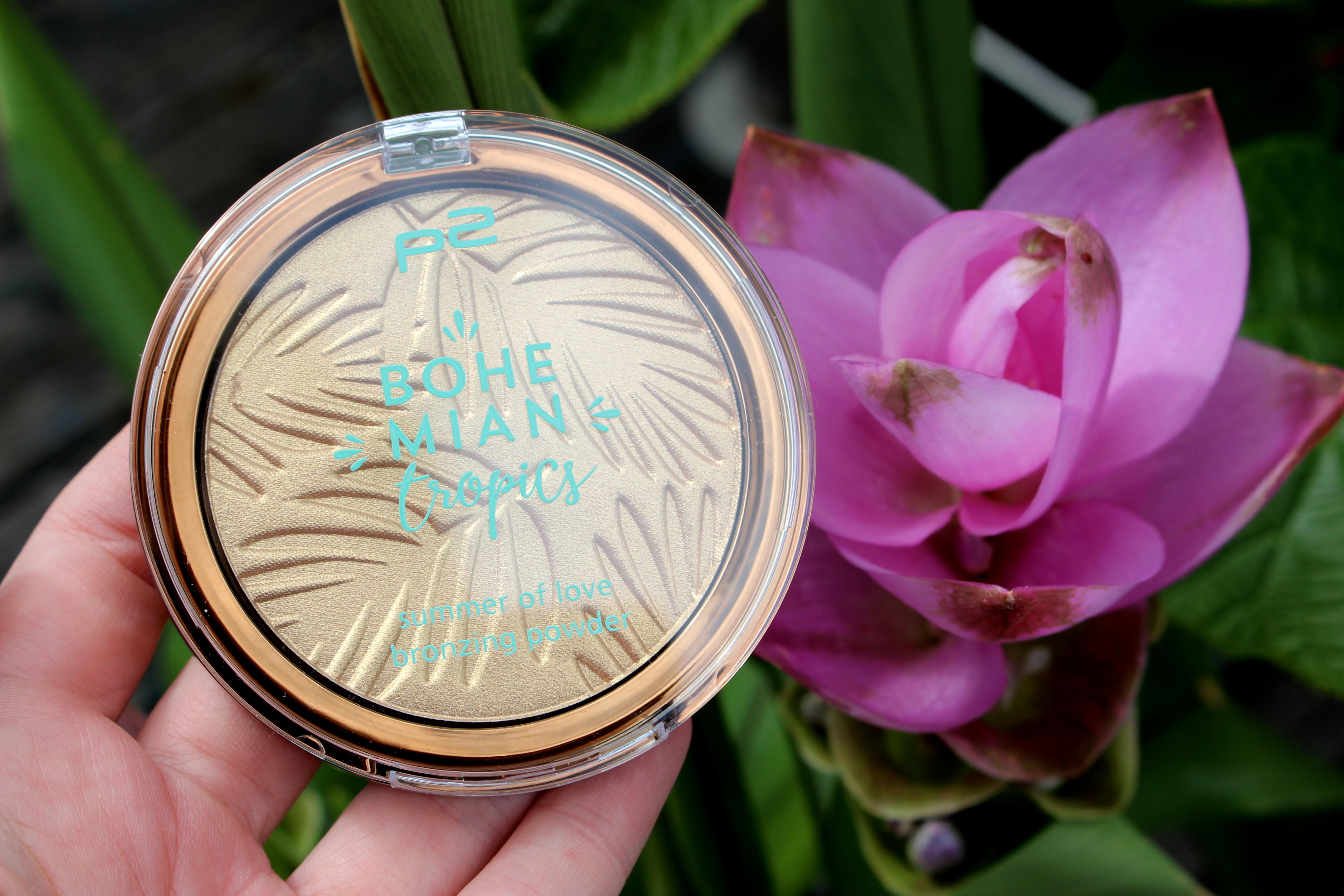 p2_bohemian_tropics_le_review_makeupinflight_summer_of_love_bronzing_powder_sun_tanned_1