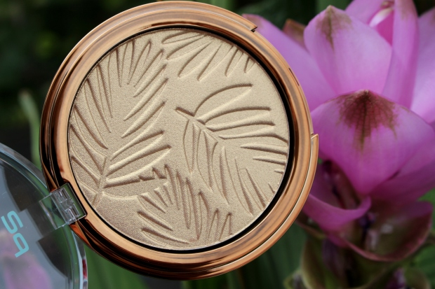 p2_bohemian_tropics_le_review_makeupinflight_summer_of_love_bronzing_powder_sun_tanned_2