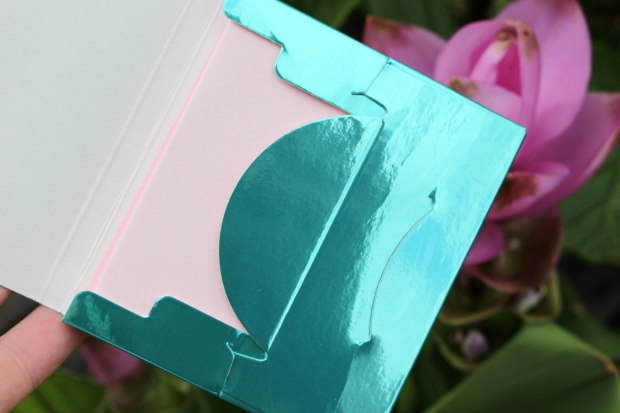 p2_bohemian_tropics_le_review_makeupinflight_waterlily_matte_perfection_blotting_papers_2