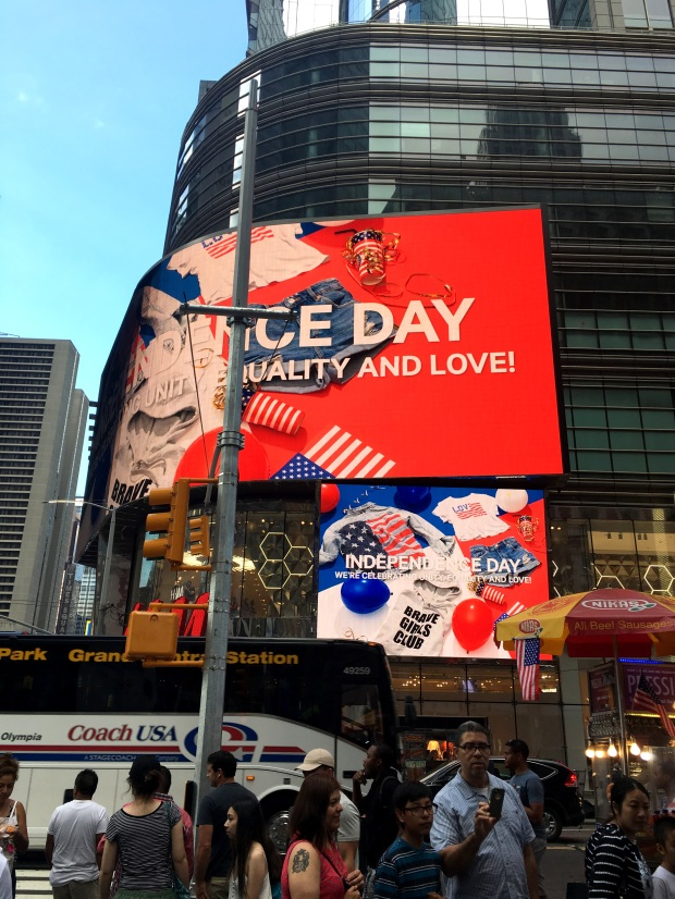 reisetagebuch-new-york-independence-day-times-square-makeupinflight-1