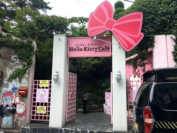 reisetagebuch-seoul-makeupinflight-hello-kitty-cafe