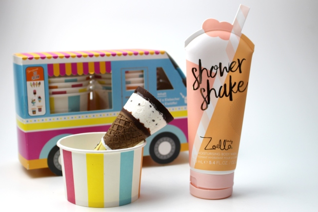 zoella-beauty-jelly-and-gelato-makeupinflight-shower-shake-1